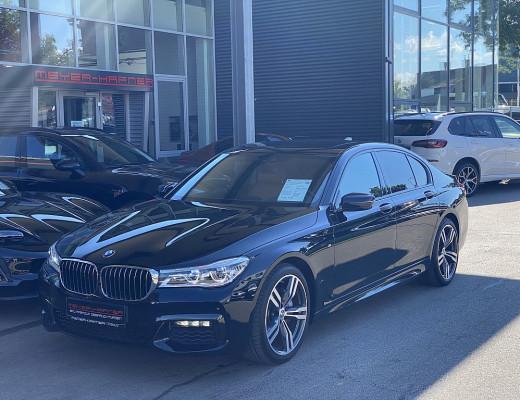 BMW 730d xDrive Aut., M-Paket, LED, Navi-Pro, Head-Up, Kamera, Glasdach, HiFi,  20 Zoll, NL-55% bei CarPort || Meyer-Hafner in