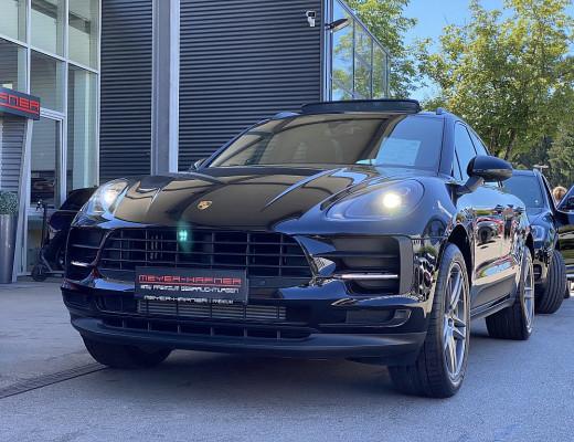 Porsche Macan II AHK, PANO, LUFT, NP: 99.000,- -25% bei CarPort || Meyer-Hafner in