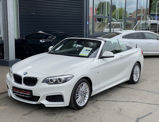 BMW 218i Cabrio Aut. M-Paket, LED, Navi, NL-40% bei CarPort || Meyer-Hafner in