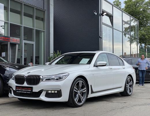 BMW 730d xDrive Aut., M-Paket, HiFi, Head-Up, Navi-Pro, LED, Kamera, Glasdach, 20 Zoll, NL-55% bei CarPort || Meyer-Hafner in
