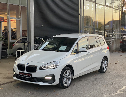 BMW 218i Gran Tourer Aut. 7-Sitzer, Navi, SHZ, Kamera, LED bei CarPort || Meyer-Hafner in