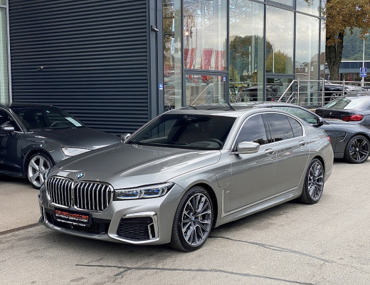 BMW 745e Aut. M-Paket, Big Nose Facelift bei CarPort || Meyer-Hafner in