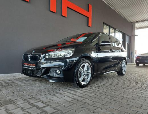 BMW 225xe PHEV Active Tourer M-Paket Aut., LED, Navi, SHZ bei CarPort || Meyer-Hafner in