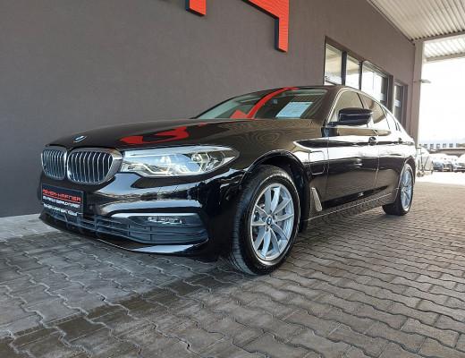 BMW 530e xDrive iPerformance (Hybrid) Limousine Aut., LKHZ, LED, Head-Up, Kamera, Memory bei CarPort || Meyer-Hafner in
