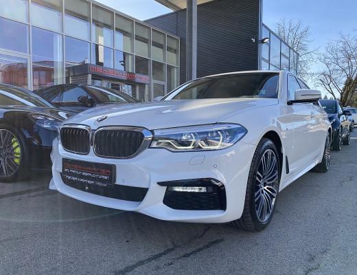 BMW 530d xDrive Limousine M-Paket Aut., AHK, Harman Kardon, Navi-Pro, LED, Glasdach, 19″ bei CarPort || Meyer-Hafner in