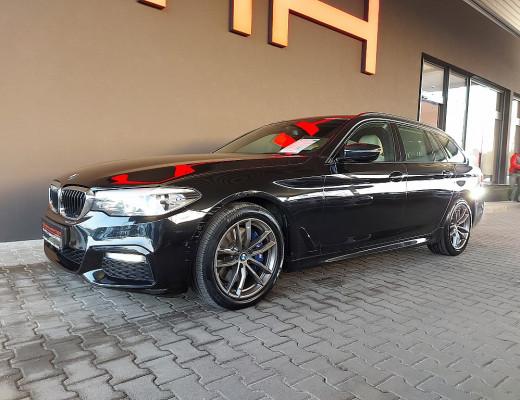 BMW 530d xDrive Touring M-Paket Aut., AHK, HiFi, Navi-Pro, Head-Up, LED, Memory, 18″ bei CarPort || Meyer-Hafner in