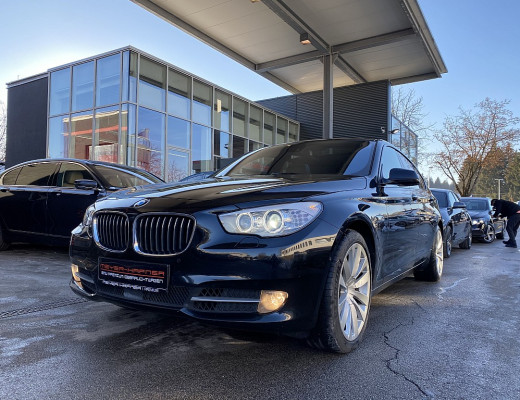 BMW 530d xDrive Gran Turismo Aut., Navi-Pro, Komfortzugang, HiFi, Pano, Kamera, Head-Up, 20″ bei CarPort || Meyer-Hafner in