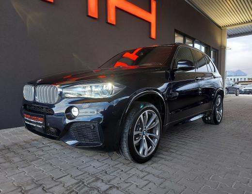 BMW X5 xDrive40d M-Paket Aut., LKHZ, Kamera, Pano, LED, Bang&Olufsen, 20″ bei CarPort || Meyer-Hafner in