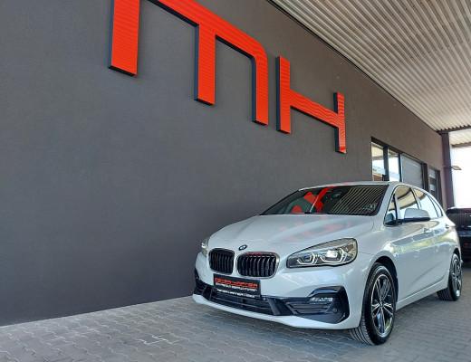 BMW 218d Active Tourer Sport Line Aut., LED, Navi, Kamera bei CarPort || Meyer-Hafner in