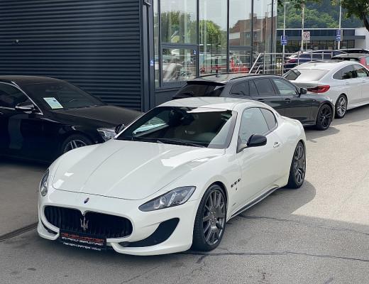 Maserati Gran Turismo Sport Aut. (460PS), Garagenwagen, kein Winterbetieb bei CarPort || Meyer-Hafner in