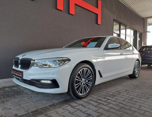 BMW 530e xDrive Limousine Sport Line Aut., HiFi, Head-Up, LED, Glasdach, Memory, Navi, 18″ bei CarPort || Meyer-Hafner in