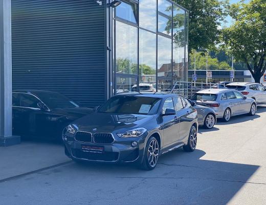 BMW X2 xDrive18d M-Paket Aut., Navi, LED, Kamera, 19″ bei CarPort || Meyer-Hafner in