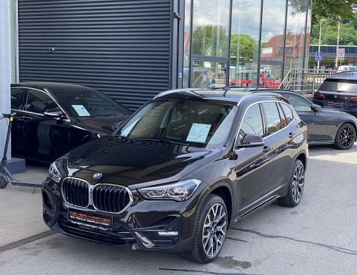 BMW X1 sDrive18d Sport Line Aut., Kamera, Navi, SHZ, 18″ bei CarPort || Meyer-Hafner in