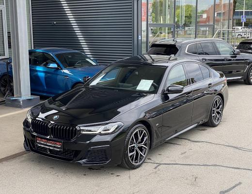 BMW 520d xDrive Limousine 48 V M-Paket Aut., Glasdach, HiFi, LED, Head-Up, Komfortzugang, Memory bei CarPort    Meyer-Hafner in