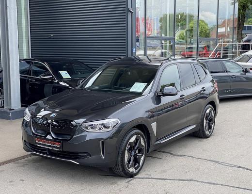 BMW iX3 Impressive bei CarPort    Meyer-Hafner in