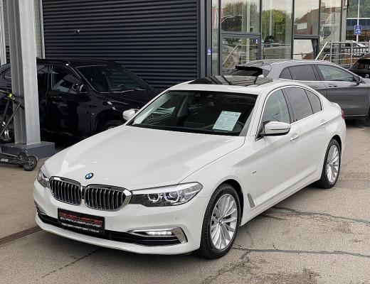 BMW 520d Aut. Limousine Luxury Line, Leder, Werksgarantie bis 02/2023 bei CarPort    Meyer-Hafner in