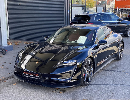 Porsche Taycan 4S, Massage, LED-Matrix, Sport Chrono, Kamera, BOSE, Pano, 20″ bei CarPort || Meyer-Hafner in
