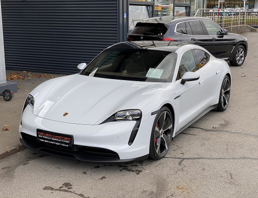 Porsche Taycan 4S, BOSE, Pano, Kamera, Memory, Sport Chrono, 21″ bei CarPort || Meyer-Hafner in